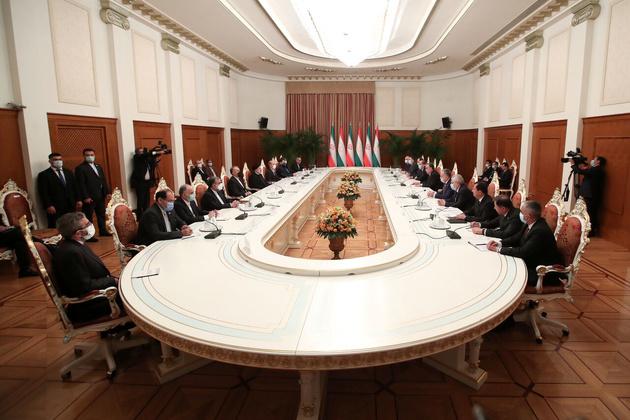 رئیسی: بهره برداری از ظرفیت های حمل ونقل ایران در همکاری با تاجیکستان