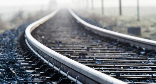 اتصال ریلی و جادهای ایران و آذربایجان در اولویت است