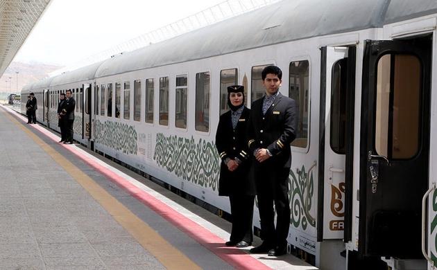 قطارهای سریع یا ارزان، کدام موجب جذب مسافر میشود؟